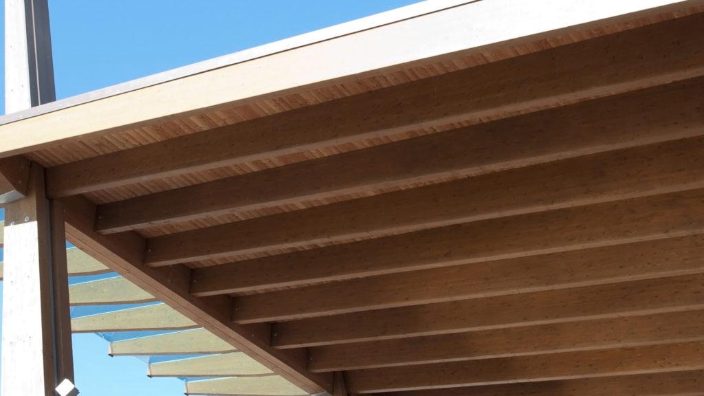 Construction site: glued laminated timber – platform mobile